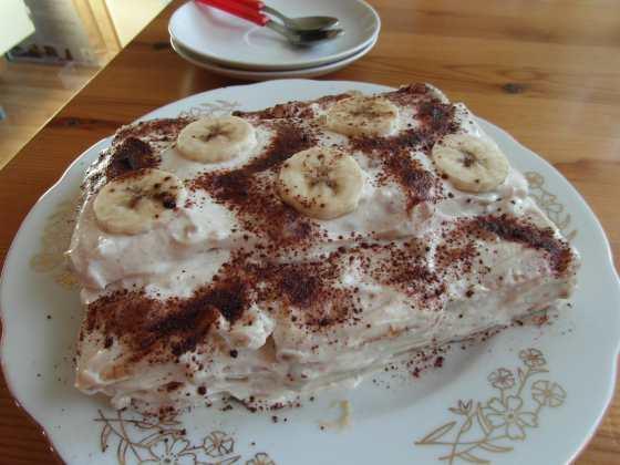 Sušenkový dort s halvou