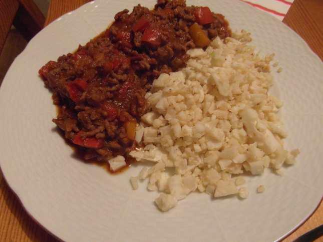 Chilli con carne s květákovou rýží