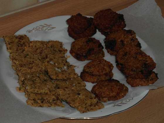 Rozmarýnové crackery a sušenky s kousky čokolády
