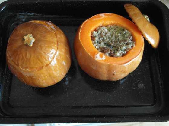 Dýně plněná masem, květákem a špenátem
