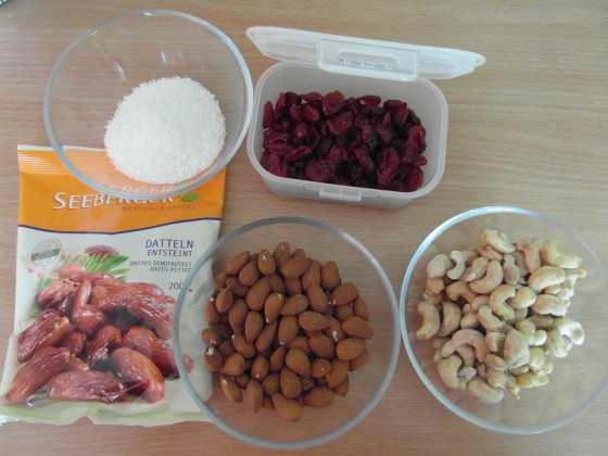 Suroviny na ořechové tyčinky