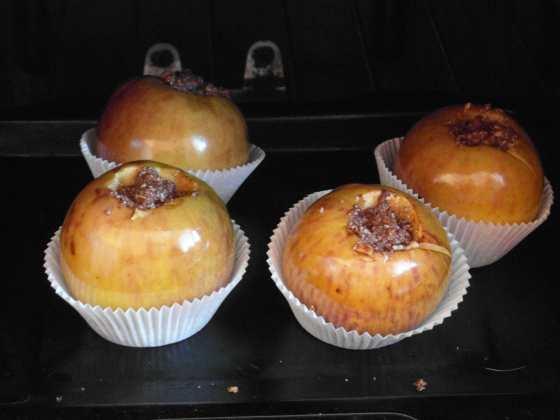 Před pečením jablíčka