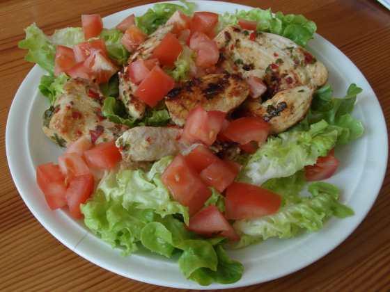 Limetkové kuře s koriandrem a salátem