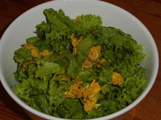 Kuřecí kari salát