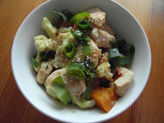 Teplý kuřecí salát s dýní