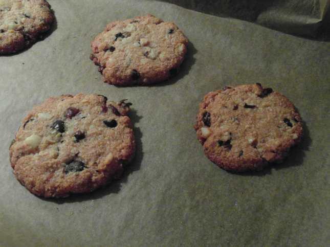 Sušenky s kakaovými boby a makadamy