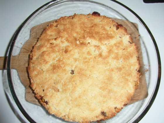 Skořicový koláč po upečení