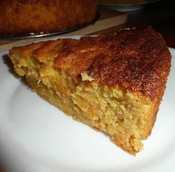 Pomerančový koláč na řezu