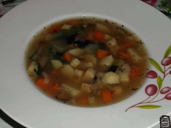 Zeleninová polévka s houbami