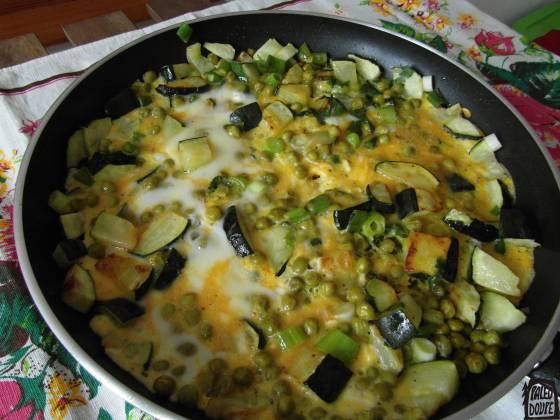 Omeleta s cuketou a hráškem