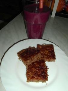 Mandlový perník a borůvkové smoothie